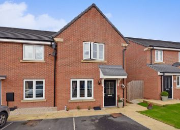 Thumbnail 2 bed town house for sale in 5 Mill Close, Leeds