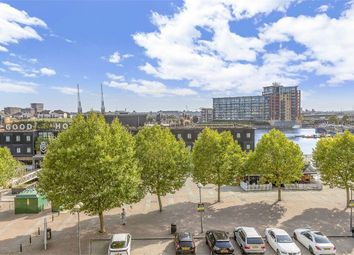 The Oxygen, 18 Western Gateway, Royal Victoria Docks E16. 2 bed flat