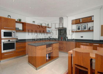 Thumbnail 4 bed flat to rent in Bracknell Gardens, Hampstead, London