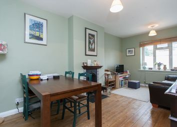 Thumbnail 2 bed flat to rent in De Beauvoir Court, Northchurch Road