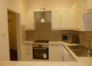 2 bed flat to rent in The Strand, Exmouth EX8