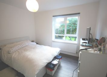 Thumbnail Flat to rent in Hanley Road, Stroud Green