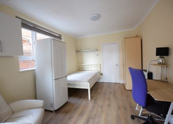 Thumbnail Studio to rent in Whitley Street, Reading, Berkshire