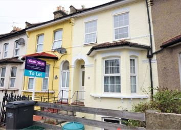 2 bed maisonette to rent in Oval Road, Croydon CR0