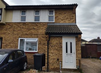 Thumbnail 1 bed flat to rent in Fielding Avenue, Tilbury