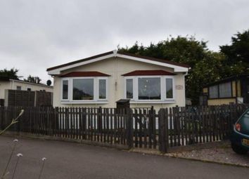 Thumbnail 2 bedroom mobile/park home for sale in Stopsley Mobile Home Park, St. Thomas's Road, Luton, Bedfordshire