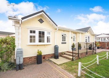 Thumbnail 2 bed mobile/park home for sale in Hawthorn Close, Hayes Country Park, Battlesbridge