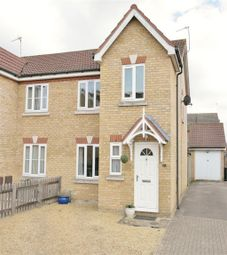 Thumbnail 3 bed property to rent in Dagdale Drive, Didcot