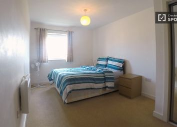 2 bed property to rent in High Road Leytonstone, London E11