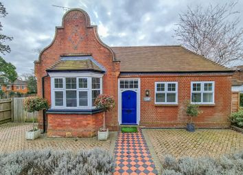 Thumbnail 2 bed detached bungalow to rent in Leatherhead Road, Oxshott, Leatherhead