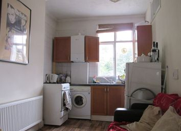 Thumbnail Room to rent in Jenner Road, London
