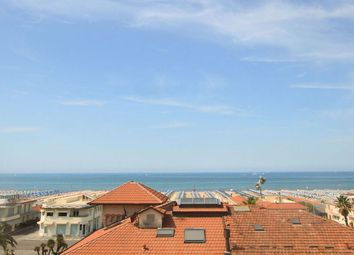 Thumbnail 1 bed town house for sale in Viareggio, Lucca, Tuscany, Italy