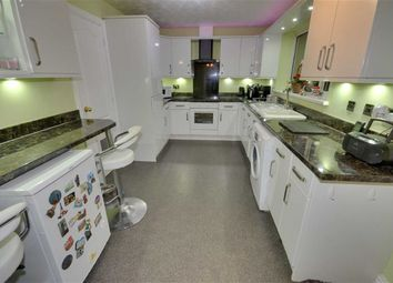 Thumbnail 4 bed detached house for sale in Chestnut Close, Featherstone, Pontefract