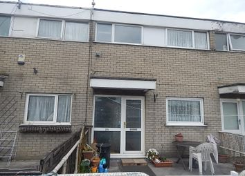 Thumbnail 3 bed flat to rent in Sundon Park Parade, Luton