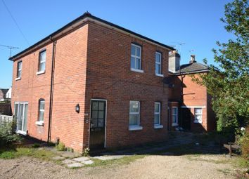 Thumbnail 2 bed flat to rent in Winchester Road, Romsey