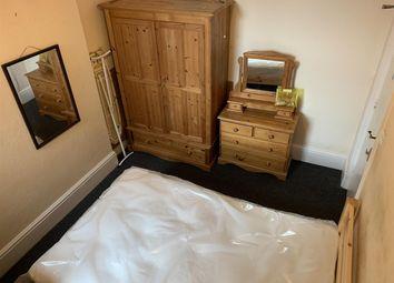 Thumbnail Room to rent in Room 36, Russel Terrace, 1He-Double Bedroom