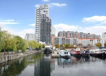 Thumbnail 2 bedroom flat to rent in Streamlight Tower, Canar Wharf