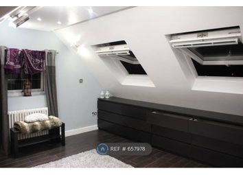 Room to rent in Woodford Avenue, Ilford IG2