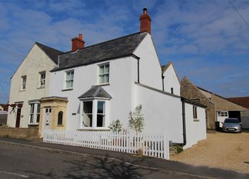 The Plain, Hawkesbury Upton, South Gloucestershire GL9. 3 bed cottage