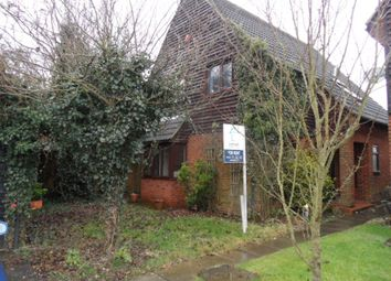 Thumbnail 4 bed property to rent in Walnut Close, Luton