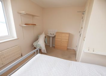Thumbnail Room to rent in Sycamore Drive, Yeovil