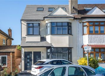 3 bed maisonette to rent in Hale Grove Gardens, Mill Hill, London NW7