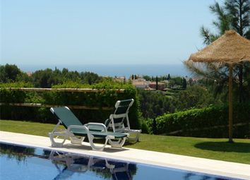 Thumbnail 3 bed apartment for sale in Hacienda Las Chapas, Central, Marbella