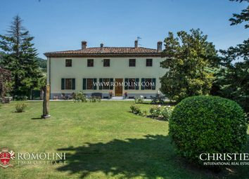 Thumbnail 5 bed villa for sale in Lucca, Tuscany, Italy