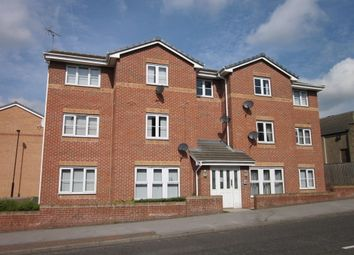 2 bed flat to rent in Bellhouse Road, Ecclesfield, Sheffield S5