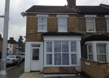 Thumbnail 1 bed flat to rent in Leslie Park Road, Croydon