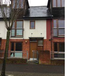 Thumbnail 3 bed town house for sale in Vivian Road, Basingstoke