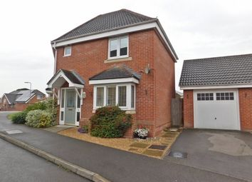 Thumbnail 3 bedroom semi-detached house to rent in Segensworth Road, Titchfield, Fareham