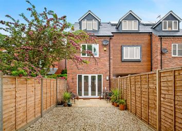 Thumbnail 3 bed town house for sale in Barrow Road, Kenilworth, Warwickshire