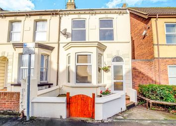 Thumbnail 6 bed terraced house to rent in Duncan Road, Gillingham
