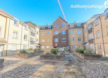 Thumbnail 2 bedroom flat to rent in Pegs Lane, Hertford