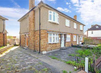 2 bed maisonette for sale in Eastern Avenue, Newbury Park, Ilford, Essex IG2