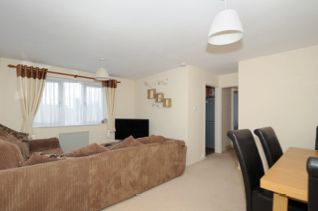 Thumbnail Flat to rent in Wolsey Road, Sunbury On Thames