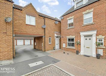 Thumbnail 2 bed town house for sale in Canal Mews, Chesterfield, Derbyshire