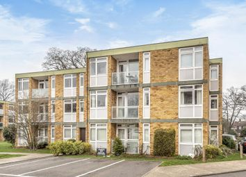 Thumbnail 2 bedroom flat to rent in Horsell, Woking