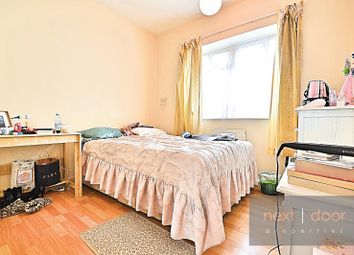 Thumbnail 3 bed flat to rent in Wyndham Road, Camberwell