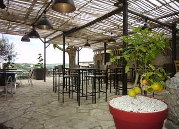 Thumbnail Pub/bar for sale in Belves, Dordogne, France