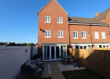 Gold Furlong, Marston Moretaine, Bedford MK43. 5 bed terraced house