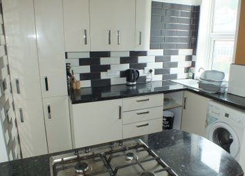 Thumbnail 3 bed flat to rent in Meanwood Road, Leeds, West Yorkshire