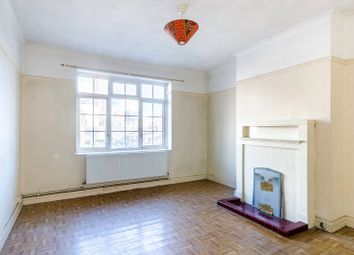 3 bed flat for sale in Davidson Gardens, Vauxhall, London SW8