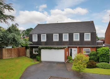 Thumbnail 5 bed detached house for sale in Hill House Close, Turners Hill, West Sussex