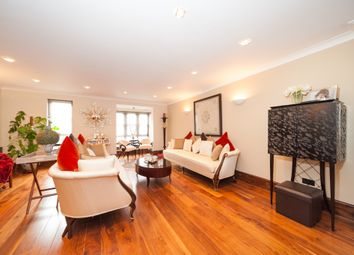 Thumbnail 4 bed town house for sale in Windsor Way, London
