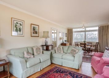 Park Close, Ilchester Place W14. 2 bed flat for sale