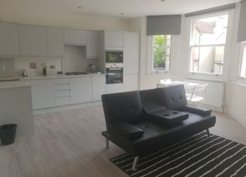 2 bed flat to rent in Friends Road, London CR0