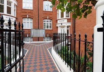 Thumbnail 1 bed flat to rent in Ravenscourt Park, Acton