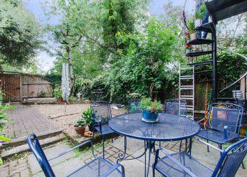 4 bed property for sale in Hatcliffe Close, Blackheath, London SE3